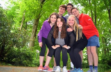 bravo in tiergarten (everyone standing)